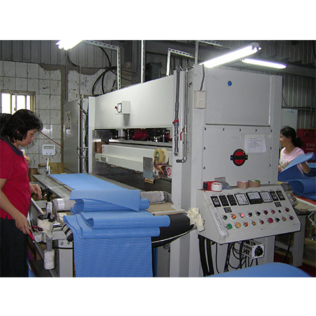 High Frequency Plastic Welding & Cutting Machine 3